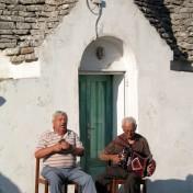 Ostuni, 2001. Canto all'organetto (Fondo Morabito)